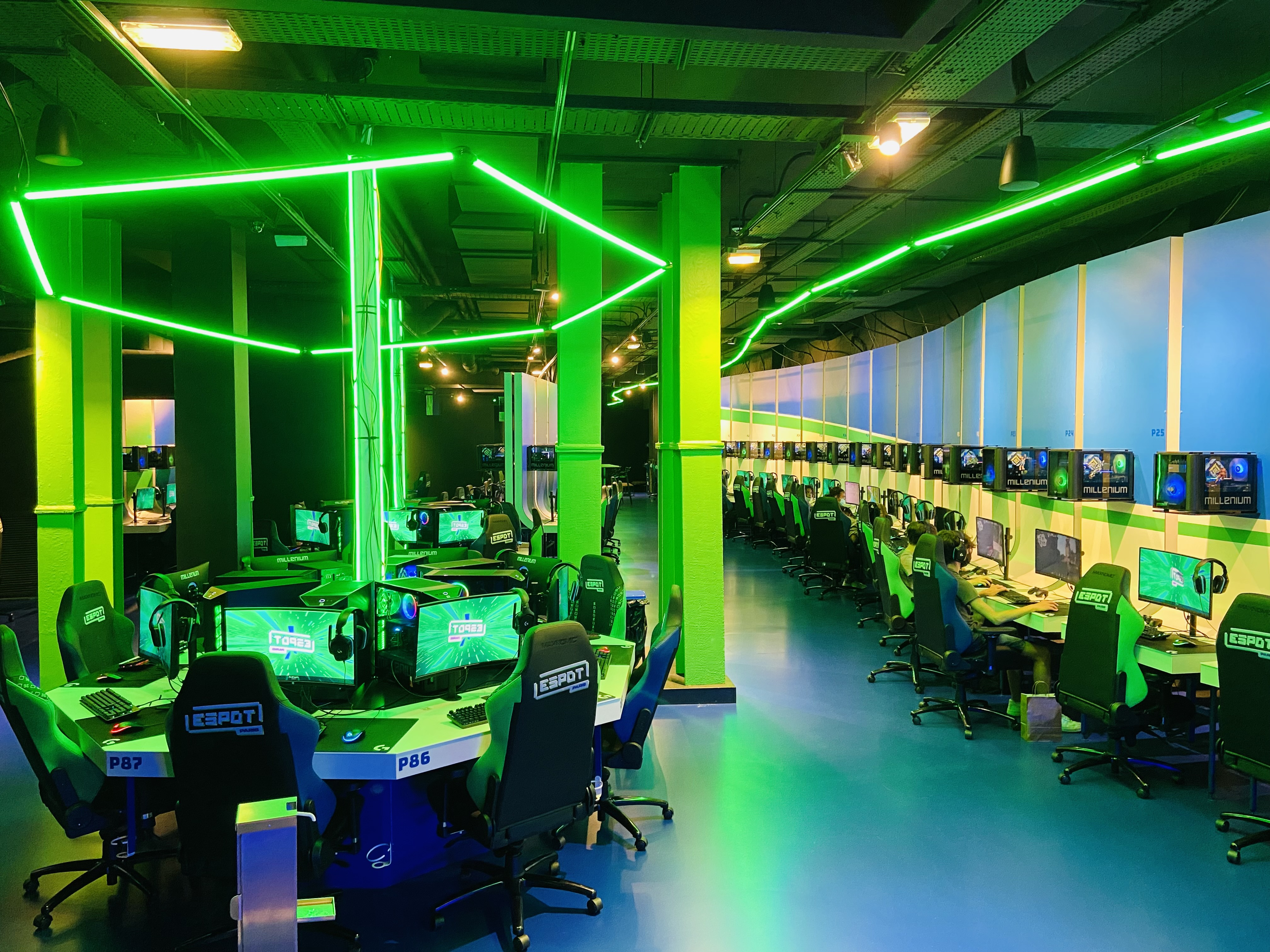 ESpot's PC gaming space is both stylish and spacious