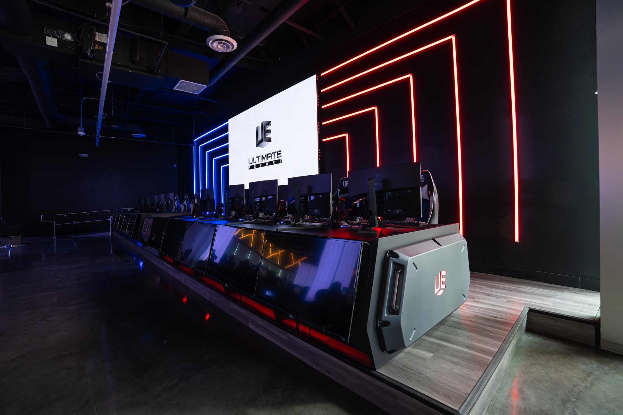 This centers esports arena is perfect for 5v5 professional esports events and competitions